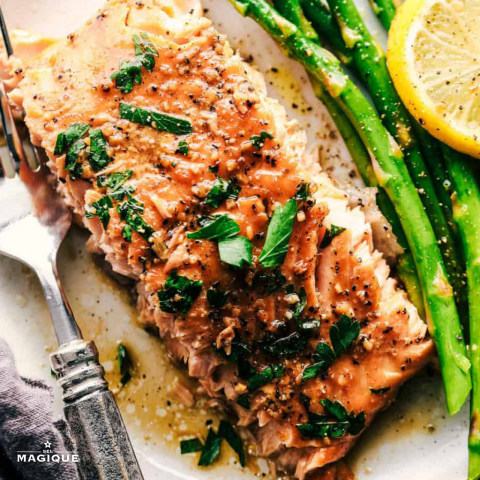 GARLIC BROWN SUGAR GLAZED SALMON HERO